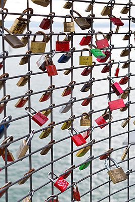 Love locks - p248m877411 by BY