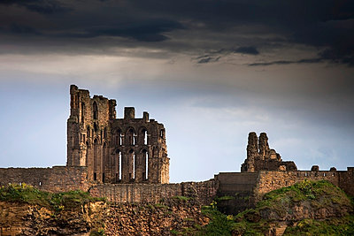 Tynemouth Priory And Castle; Tyne And Wear England - p442m784250 by John Short