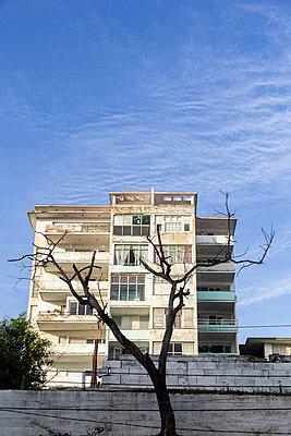 Decrepit apartment house - p739m831738 by Baertels
