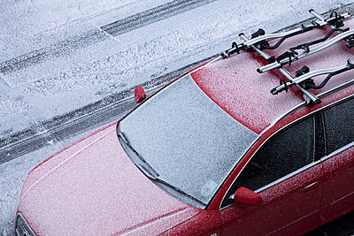 Car covered in frost - p9240713 by Julian Ward