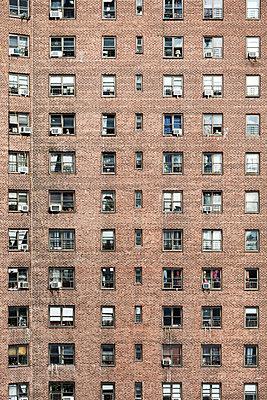 Brick building - p1094m2057242 by Patrick Strattner