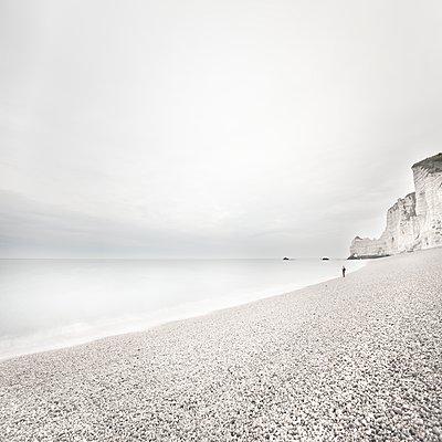 Strandspaziergang - p1137m1201417 von Yann Grancher
