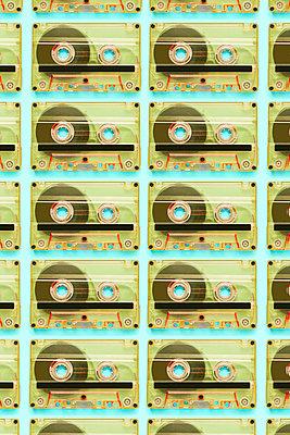 Cassettes - p1149m1591152 by Yvonne Röder