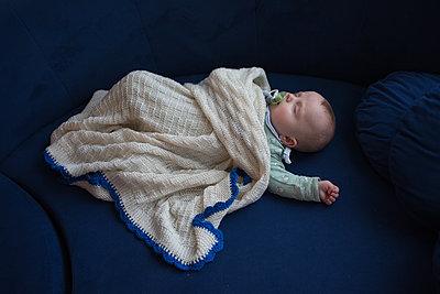 Schlafendes Baby - p1308m2280060 von felice douglas