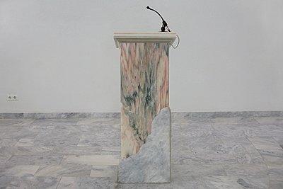 Rednerpult aus Marmor - p1401m2260648 von Jens Goldbeck