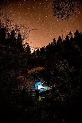 Camping an einem Bergsee - p1455m2203697 von Ingmar Wein