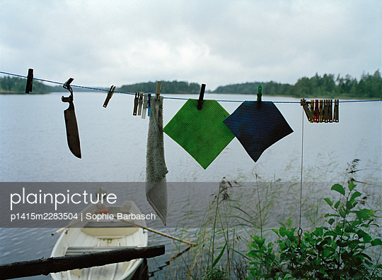 Drying things - p1415m2283504 by Sophie Barbasch