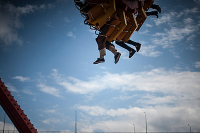 Carousel and feet in the sky  - p1007m1134886 by Tilby Vattard