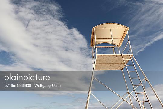 Rettungsschwimmerturm - p716m1586808 von Wolfgang Uhlig