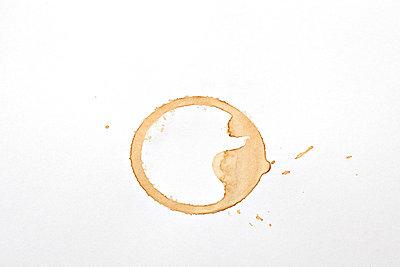 Kaffeefleck - p648m758069 von Ursula Raapke
