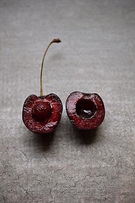 Cherry - p1235m2035508 by Karoliina Norontaus