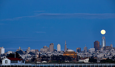 Moonrise over San Francisco - p1489m1575396 by Paul Simcock
