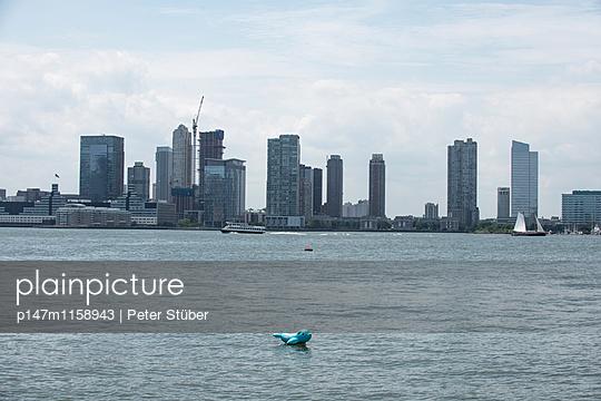 Skyline von New York City - p147m1158943 von Peter Stüber