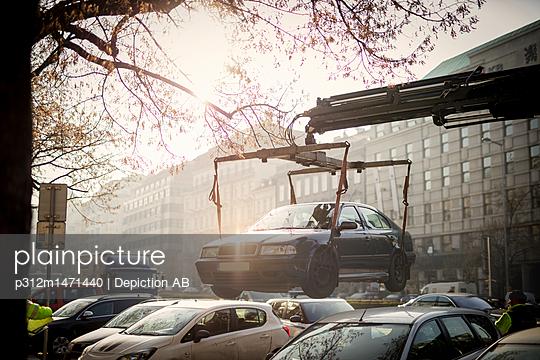Crane carry car - p312m1471440 by Depiction AB
