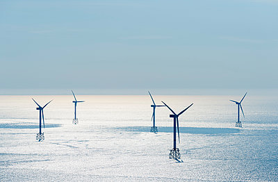 Offshore wind farm, North Sea - p429m1179766 by Mischa Keijser