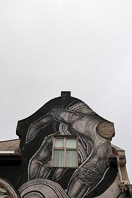 Bemaltes Haus in Reykjavik - p470m1465369 von Ingrid Michel