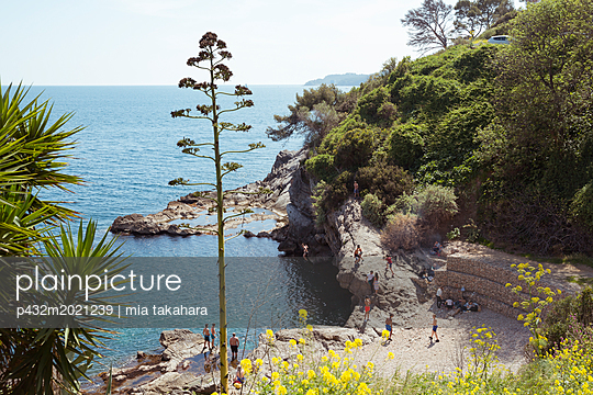 Badebucht in Toulon - p432m2021239 von mia takahara