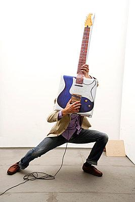 E-Gitarre Atrappe - p2370565 von Thordis Rüggeberg