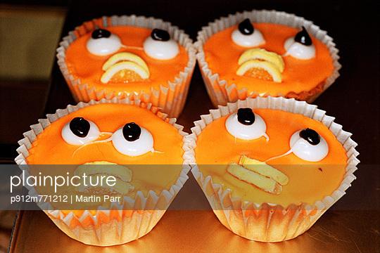 Glasgow - p912m771212 by Martin Parr