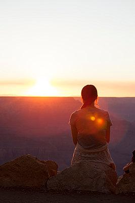 Sonnenuntergang am Grand Canyon - p948m940256 von Sibylle Pietrek