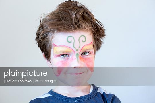 Geschminktes Kind - p1308m1332343 von felice douglas