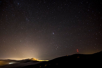 Spain, Tenerife, starry sky over Teide National Park - p300m1206103 by Simona Pillola