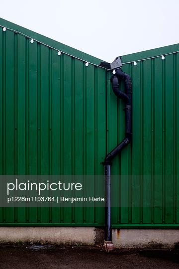 Green warehouse at Christmas - p1228m1193764 by Benjamin Harte