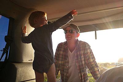 Urlaub mit dem VW Bus - p116m1538906 von Gianna Schade