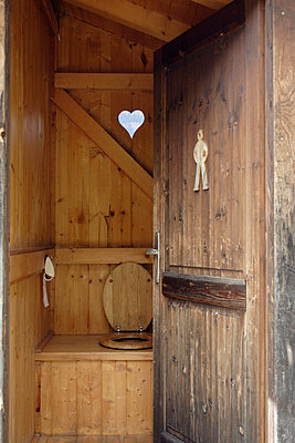 Outhouse - p2350826 by KuS