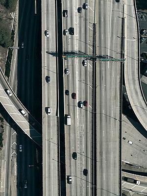 Highway in Los Angeles - p356m822591 by Stephan Zirwes