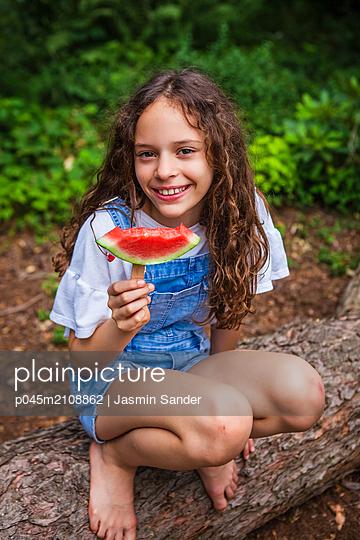 p045m2108862 by Jasmin Sander