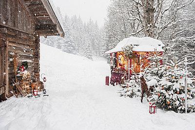 Austria, Altenmarkt, Christmas market - p300m873915f by Hans Huber