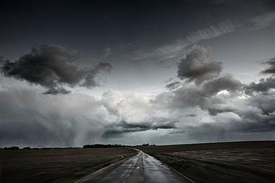 Weg ins Nirgendwo - p1137m1201420 von Yann Grancher