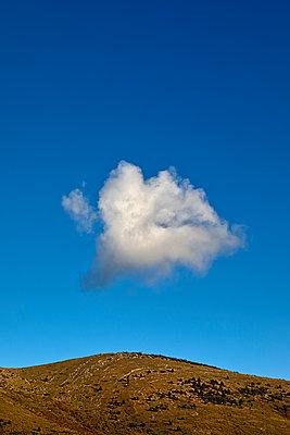 Cloud Eleven - p1553m2229230 by matthieu grospiron