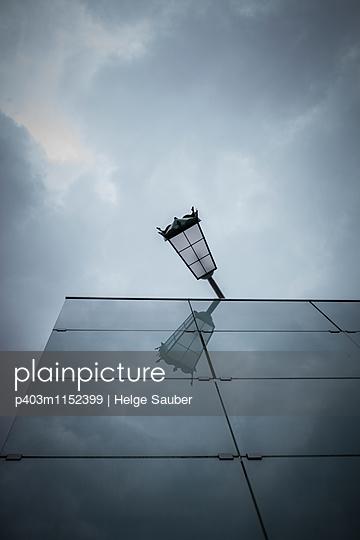 Laterne - p403m1152399 von Helge Sauber