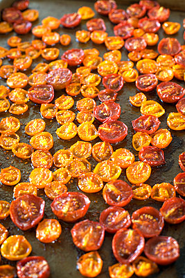 Oven Dried Cherry Tomatos - p1106m1026378 by Angela DeCenzo