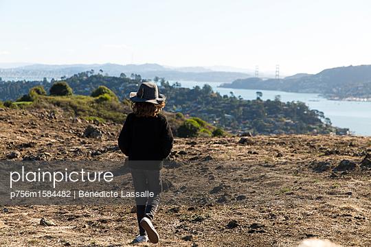 Kleines Mädchen - p756m1584482 von Bénédicte Lassalle