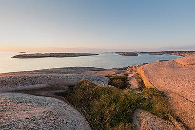 Rocky coastline in Bohuslan, Sweden - p352m1536555 by Calle Artmark