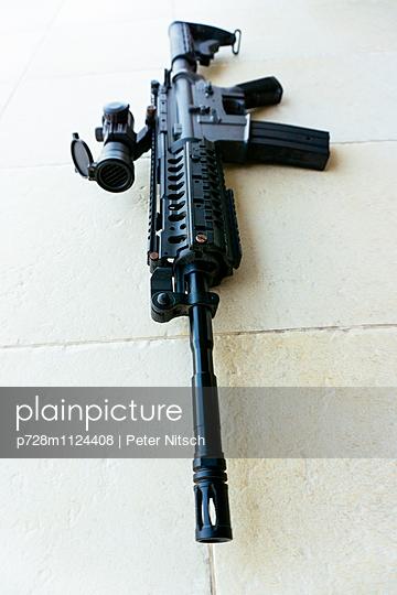 Maschinengewehr - p728m1124408 von Peter Nitsch