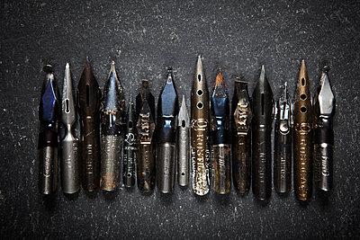 Alte Schreibfedern - p415m1149739 von Tanja Luther