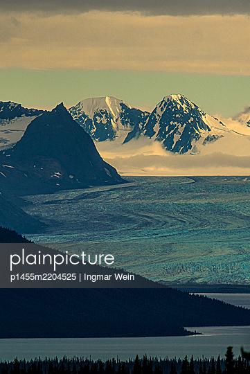 View of glacier - p1455m2204525 by Ingmar Wein