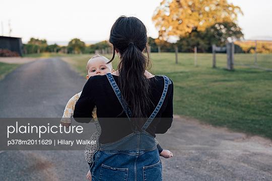 p378m2011629 von Hilary Walker