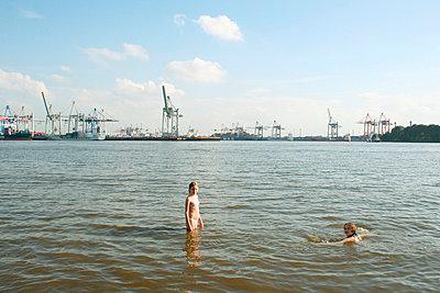 In der Elbe baden - p3040073 von R. Wolf