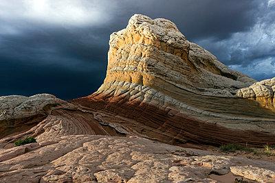 White Pocket, Paria Plateau, Arizona, USA - p429m1181258 by Jonny Maxfield
