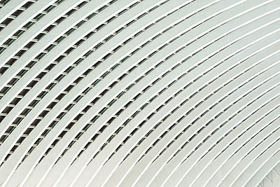 Roof construction in railway station Liège-Guillemins - p587m1155054 by Spitta + Hellwig