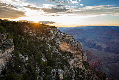 View across the Grand Canyon  - p1057m1466809 by Stephen Shepherd