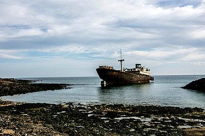 Cargo boat wreck - p1082m1538980 by Daniel Allan