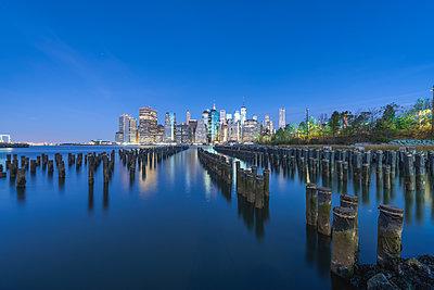 USA, New York City, Manhattan, Brooklyn, cityscape - p300m2005405 by Raul Podadera Sanz