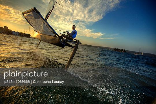 p343m1089668 von Christophe Launay