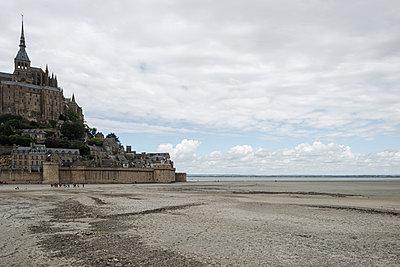 Tidal island, Le Mont-Saint-Michel - p1624m2222658 by Gabriela Torres Ruiz